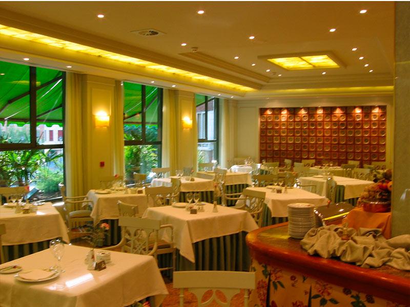 Restaurantes de holeles en valladolid for Restaurante jardin